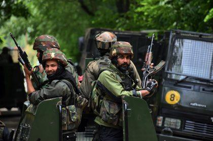 Soldados indios