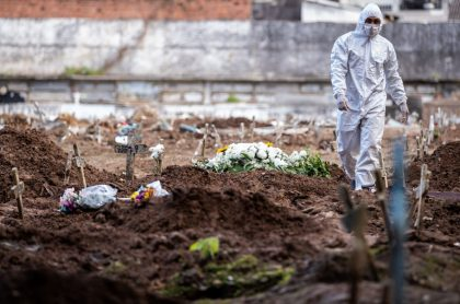 Grupo de personas se metió a las malas a Cementerio