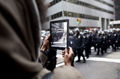 Foto a policías