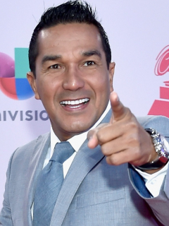 Checo Acosta, cantante.