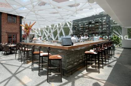 Harry Sasson cierra restaurante