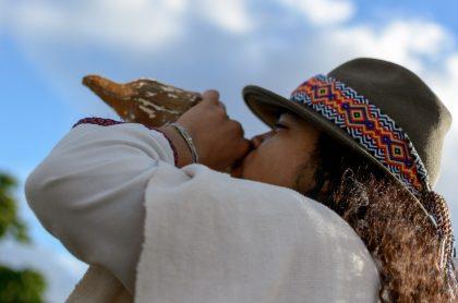 Programa para proteger lideresas sociales en Colombia