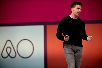 Presidente de Airbnb dice que coronavirus  afectó a su empresa.