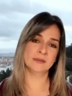 Vicky Dávila, y Pilar Velásquez V.