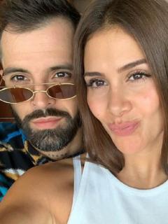 Mike Bahía y Greeicy Rendón, cantantes.
