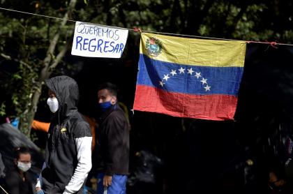 Venezolanos en Colombia salen por crisis.