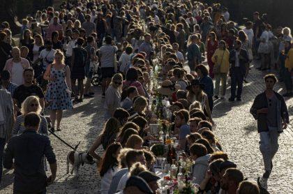 Praga celebra fin de la pandemia