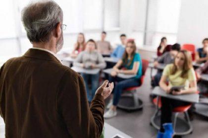 Joven denuncia acoso de su profesor de universidad