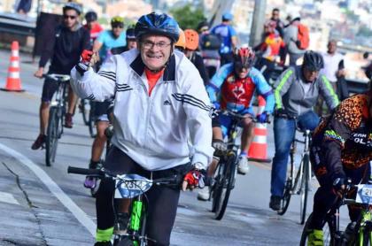 Ciclistas subiendo a Patios