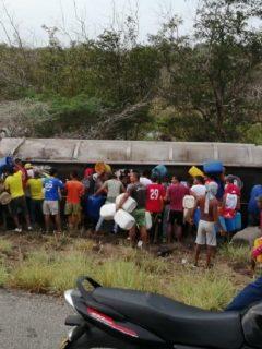 21 muertos por explosión de camión en Tasajera