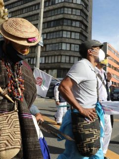 Líderes sociales de la 'Marcha por la Dignidad' protestan en Bogotá este 10 de julio.