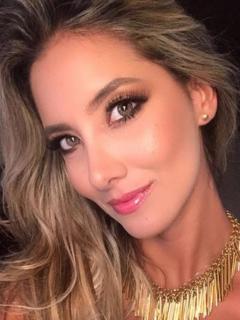 Daniella Álvarez, presentadora y exreina.
