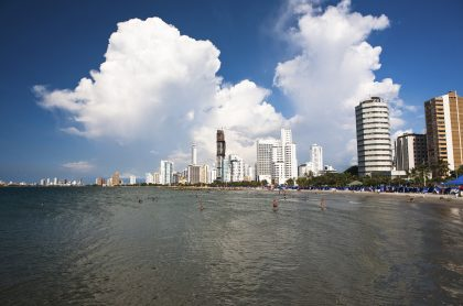 Reabren-playas-de-Cartagena-pero-no-para-nadar