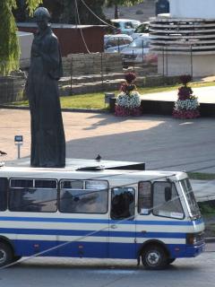 Bus con rehenes adentro, en Ucrania.