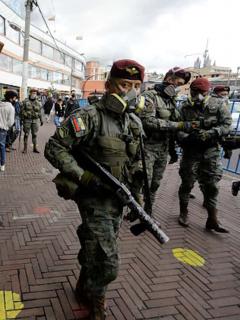 Quito está militarizado por pandemia de coronavirus.
