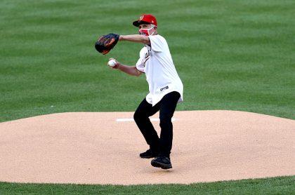 El doctor Fauci no tuvo un saque decoroso en apertura de liga de béisbol de EE. UU.
