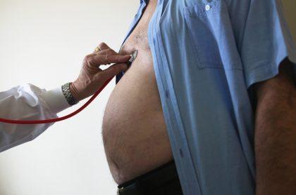 ¿Cómo sé si soy obeso o tengo sobrepeso?