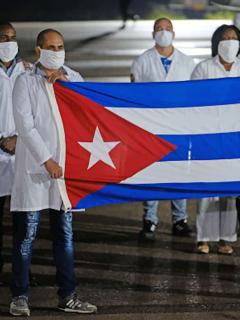 Cuba empezó este miércoles 12 de mayo el proceso de inmunización con sus propias vacunas contra el COVID-19.
