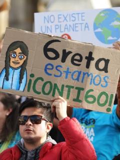 Apoyo a Greta Thunberg en manifestación por el cambio climático en Colombia