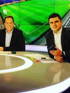 Juan Felipe Cadavid renunció a Noticias RCN; ahora trabaja en Caracol Radio.