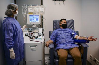 Rechazan plasma de recuperado de coronavirus porque es gay