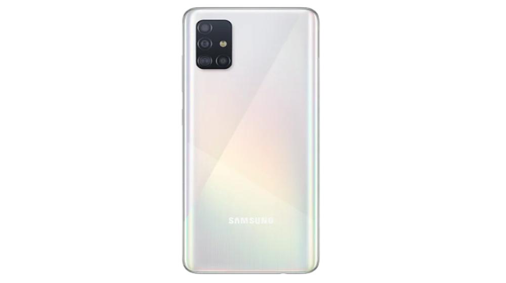 Samsung Galaxy A51: incluye el procesador Exynos 9611, pantalla Infinity-O de 6.5 pulgadas, cámara posterior de 48 MP + 12 MP + 5 MP + 5 MP y cámara frontal de 32 MP, batería de 4.000 mAh con carga rápida y lector de huellas. Sus modelos son de 64GB o 128GB con memoria RAM de 4GB, 6GB u 8GB. El de 128GB tiene un valor de entre 1.100.000 y 1.300.000 pesos.
