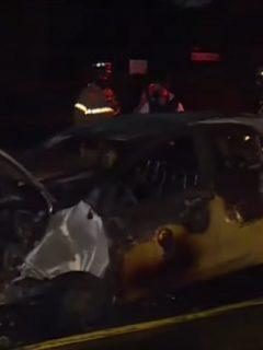 Taxi incinerado en Bogot