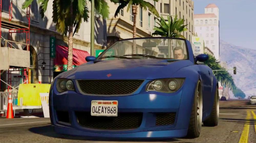 Grand Theft Auto V: juego de acción y aventura ambientado en una ciudad llamada Los Santos. El jugador debe cumplir misiones a través de tres personajes: Trevor, Michael y Franklin.