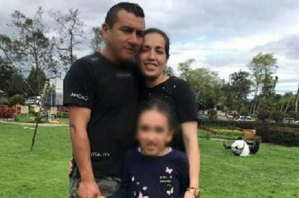 Despiden de Presidencia a humilde pareja con niña discapacitada en plena crisis