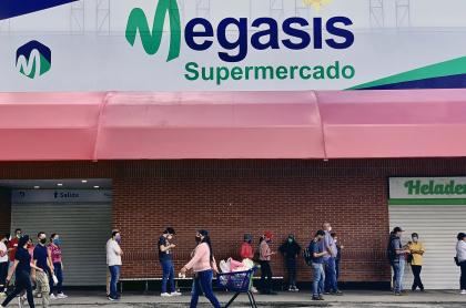 Fachada de Megasis en Caracas