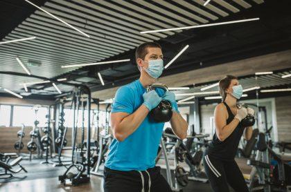 Autorizan a gimnasios abrir, en medio de la pandemia