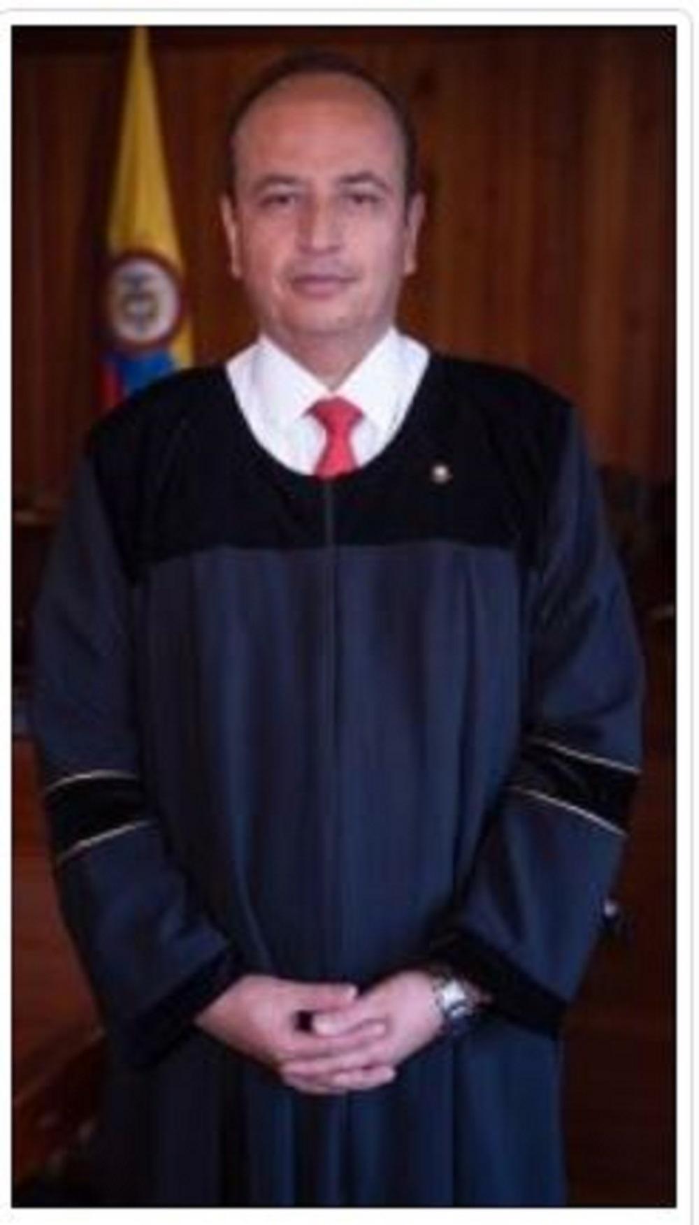 El magistrado Héctor Javier Alarcón Granobles es especialista en Derecho Penal, docente universitario y trabajó en varios expedientes de la parapolítica que llevaron a prisión a alcaldes y gobernadores.