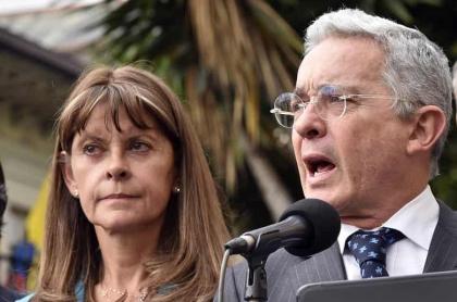 Marta Lucía Ramírez dice que respeta la decisión de que Álvaro Uribe vaya a prisión domiciliaria