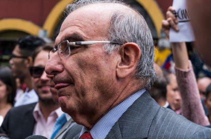 Humberto De La Calle a quienes lo atacan por votar en blanco.