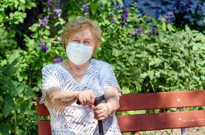 Adultos mayores sí podrán salir durante cuarentena