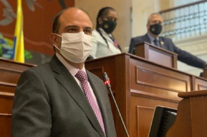 Cámara elige a Carlos Camargo como defensor del Pueblo