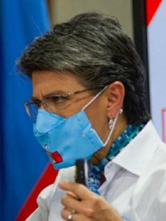 """Claudia López se le fue encima (otra vez) a Duque; esta vez por """"defender a Uribe"""""""