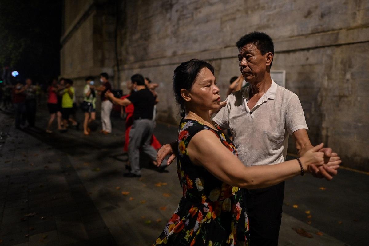Seis meses después de haber controlado la propagación del virus, la cotidianidad ha regresado de a pocos a Wuhan.