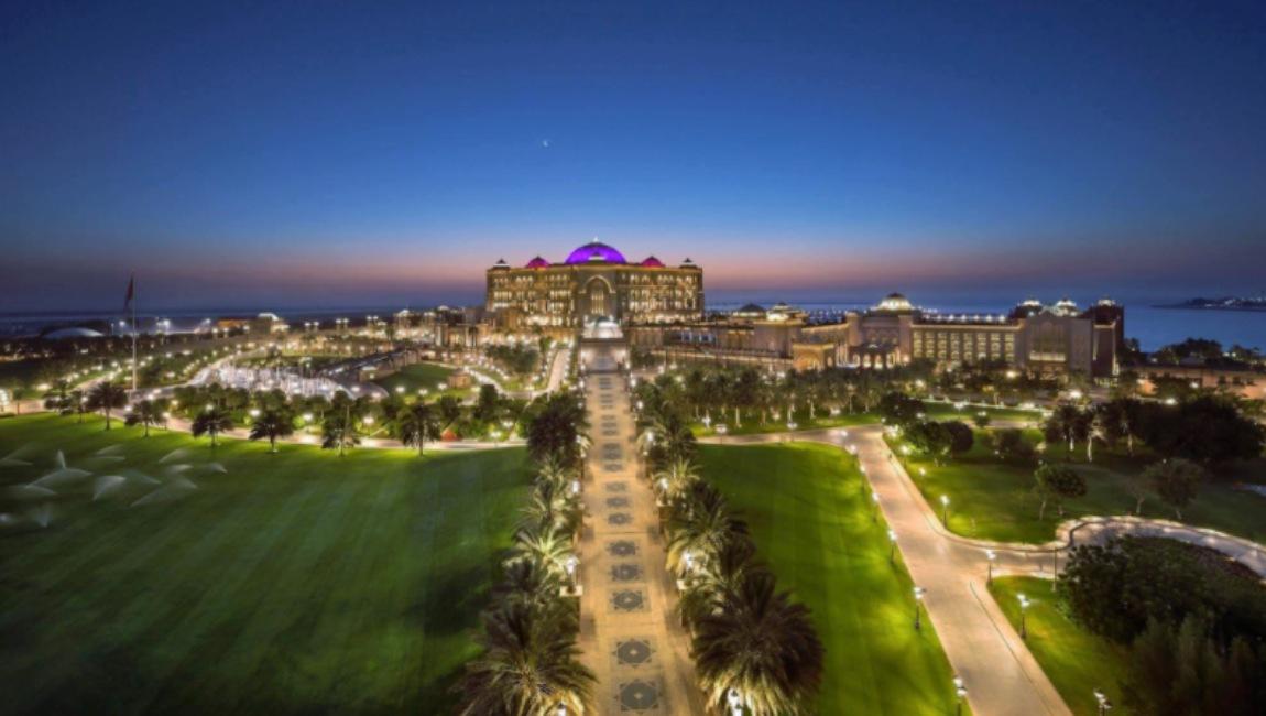 Vista panorámica del Emirates Palace, hotel de Abu Dabi donde se estaría hospedando el rey Juan Carlos de España.