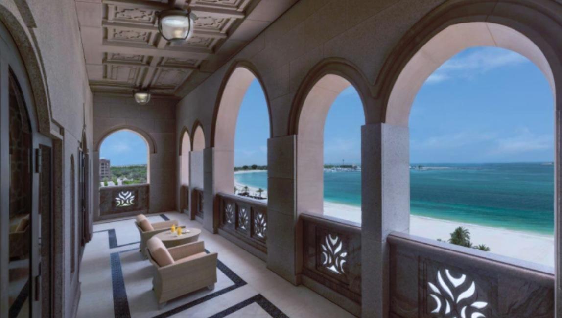 Pasillo del Emirates Palace, hotel de Abu Dabi donde se estaría hospedando el rey Juan Carlos de España.