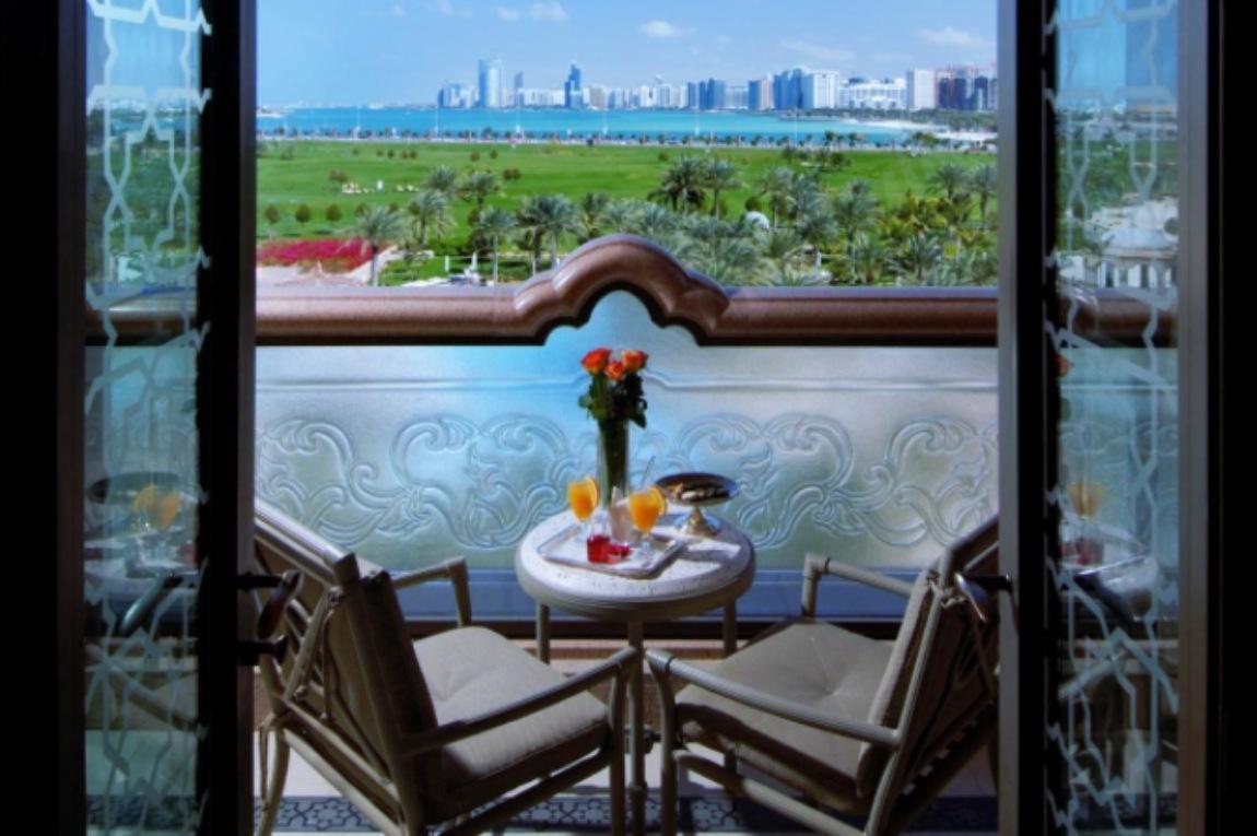 Balcón del Emirates Palace, hotel de Abu Dabi donde se estaría hospedando el rey Juan Carlos de España.