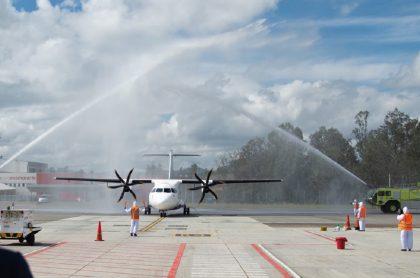 Primer-vuelo-comercial-que-llega-a-Medellín-en-pandemia