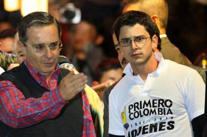Álvaro Uribe y su hijo Tomás Uribe Moreno