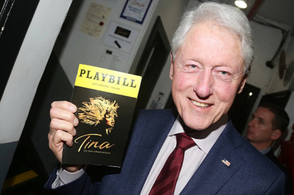Bill Clinton también viajó en el Lolita Express en 2002, pero por motivos humanitarios.