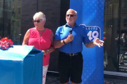 Raymond Lillington y su esposa Gaye ganan lotería