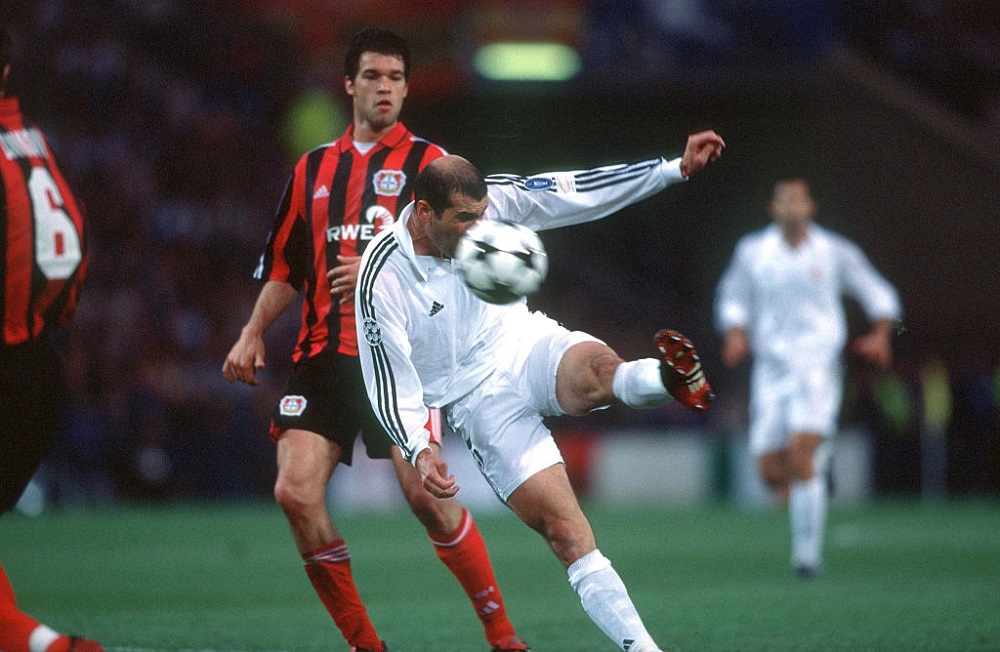 Final de Champions League entre el Real Madrid y el Bayer Leverkusen, en 2002.