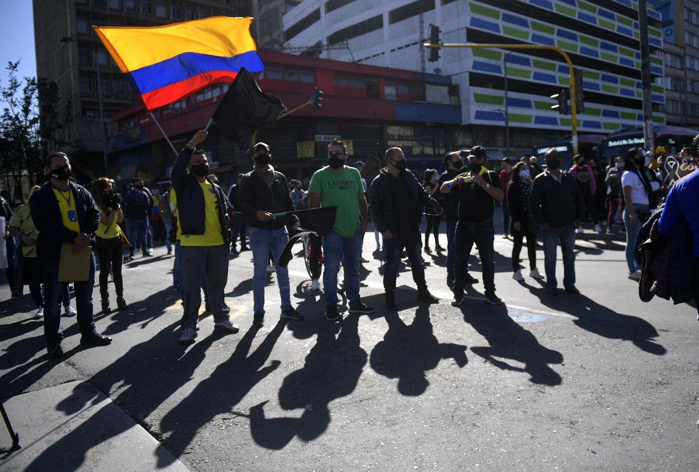 Los comerciantes empezaron con la movilización desde las 6 de la mañana, en la localidad de Santa Fe (centro-sur). / AFP