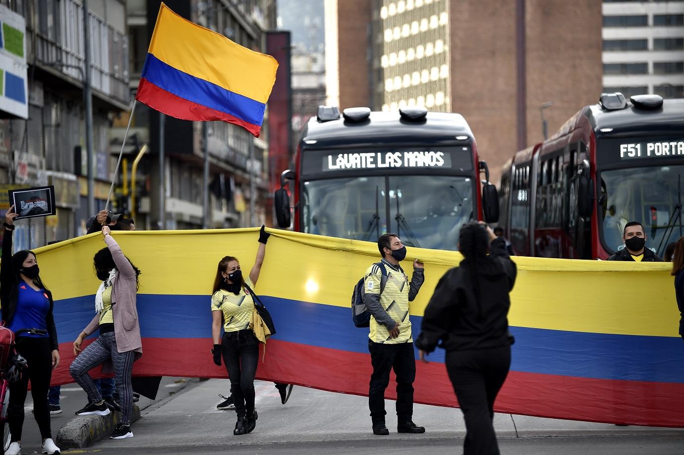 """""""Hoy propondremos al Ministerio de Salud que todo Bogotá termine cuarentena este jueves y empiece la nueva realidad donde podemos trabajar, socializar y estudiar"""", apuntó López. / AFP"""