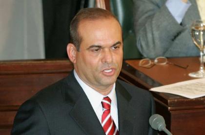 Salvatore Mancuso, en el Congreso de Colombia en 2004, será libre en Italia.