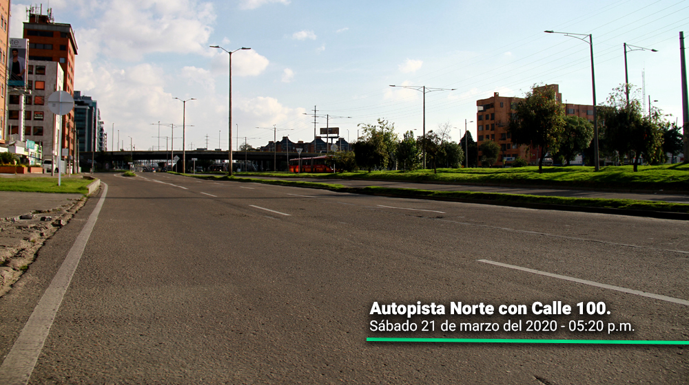 Autopista Norte con calle 100 durante el 21 de marzo, segundo día del simulacro de aislamiento en Bogotá.
